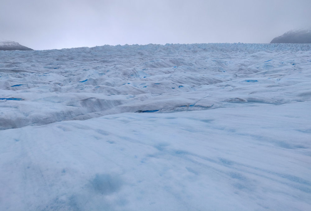Endless glacier view, looking towards the accumulation zone