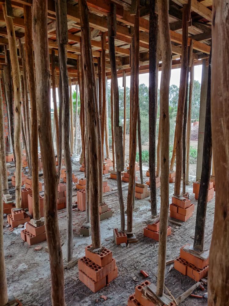Ceiling scaffolding
